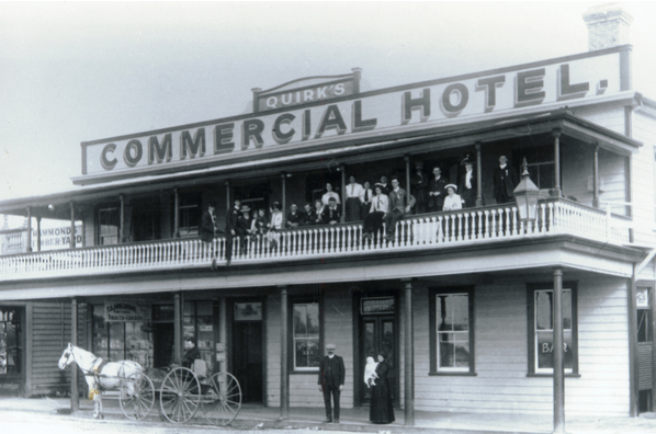 The Commercial Hotel 1910b - Wanderlust NZ Hostel.png